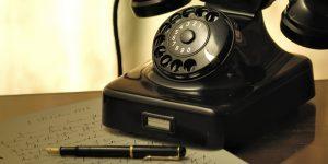 Telefon und Stift